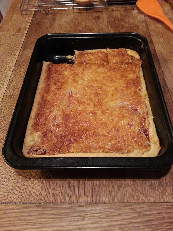 recipe: bero currant slice [25]