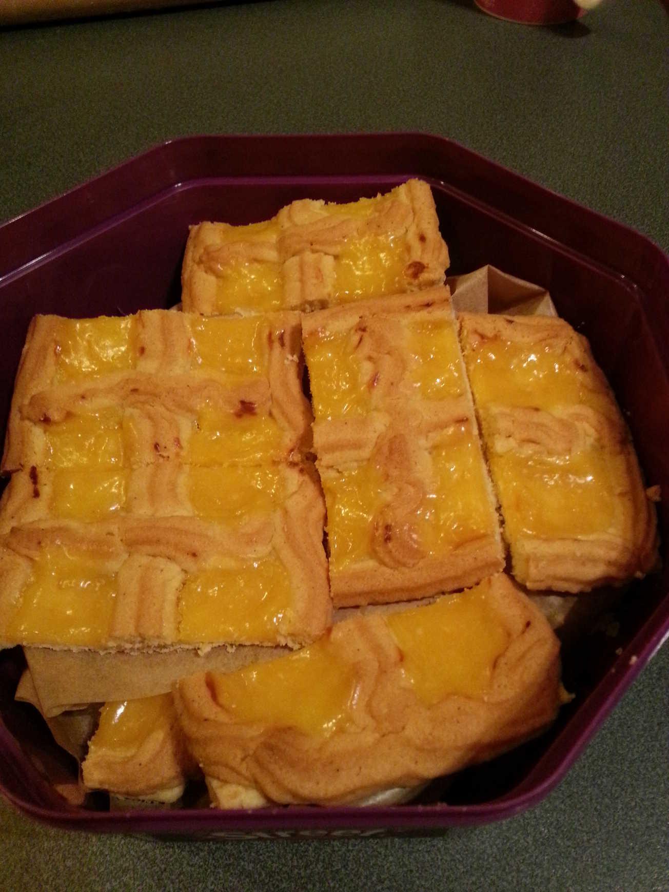 recipe: bero currant slice [21]